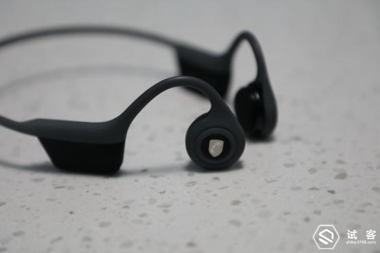 解放你的耳朵- NINEKA Runner骨传导运动耳机698.png